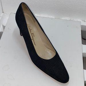 Salvatore Ferragamo textured Navy heels